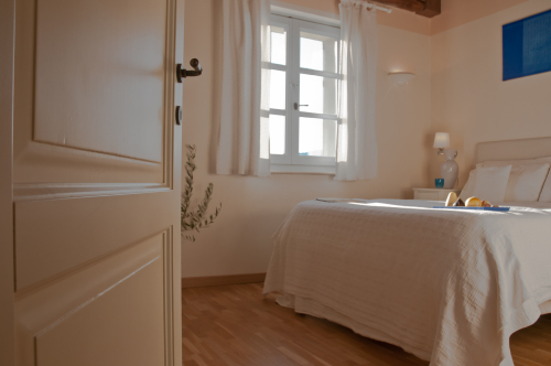 Picture of the bedroom of the suite in the main house