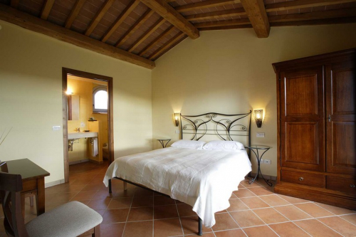 Picture of the bedroom of the suite in the Stalla